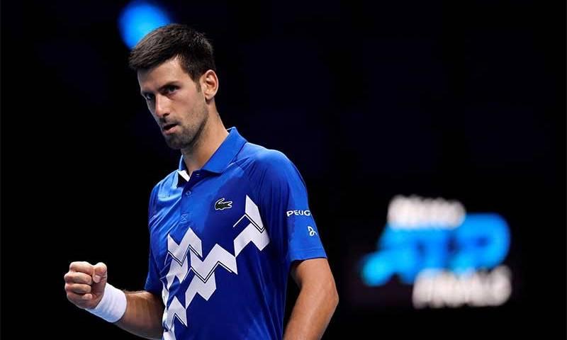 Djokovic vence Alexander Zverev e chega à semifinal do ATP Finals