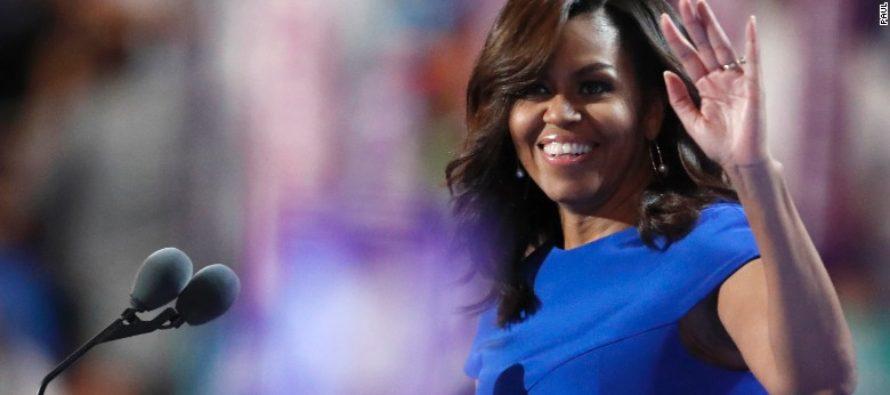 Michelle Obama gần gũi, lay động hàng triệu người nghe