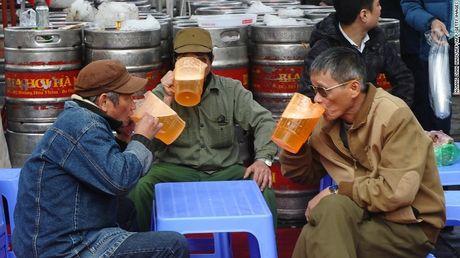 Bao My: Lan song bia thu cong bung no o Viet Nam - Anh 1