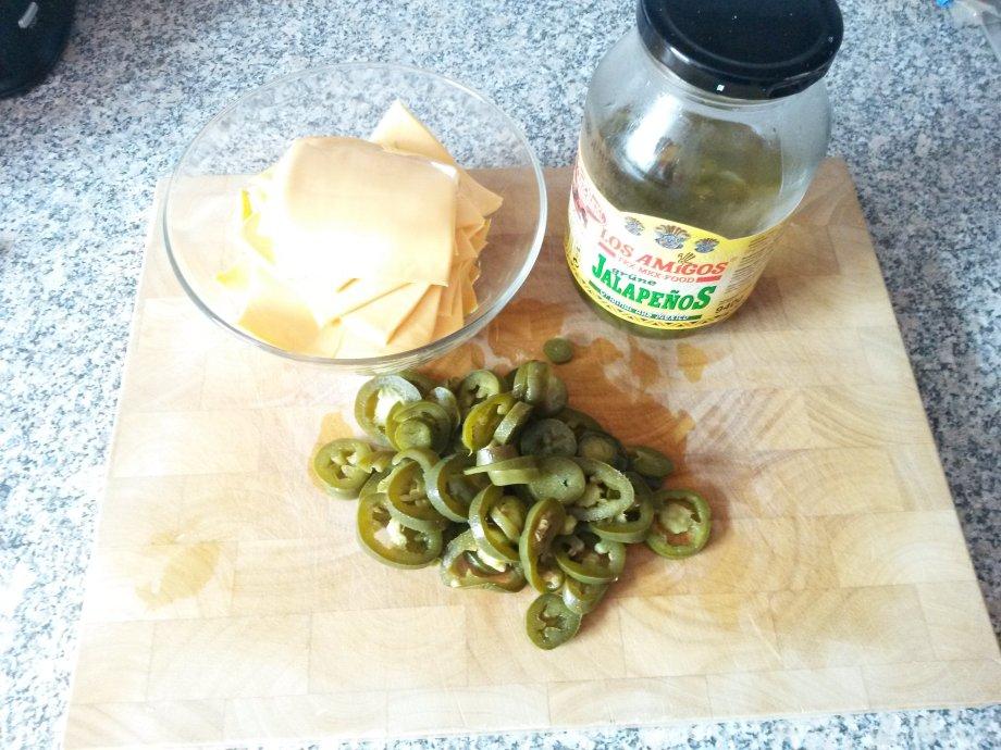 Käse und eingelegte Jalapenos
