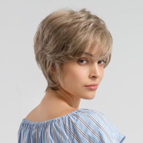 شعر قصير مع كثافة