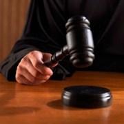 Condenan dos hombres por producir drogas