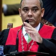 Comienza proceso retiro inmudad de Guaidó