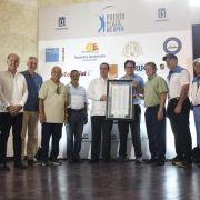 Tributan reconocimiento a ministro Turismo