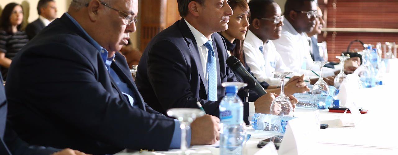 Procurador  general se reúne con fiscales