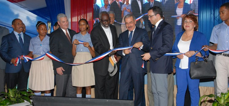 Dos nuevas escuelas para San Cristóbal