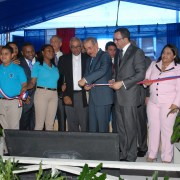 Presidente entrega politécnico a comunidad