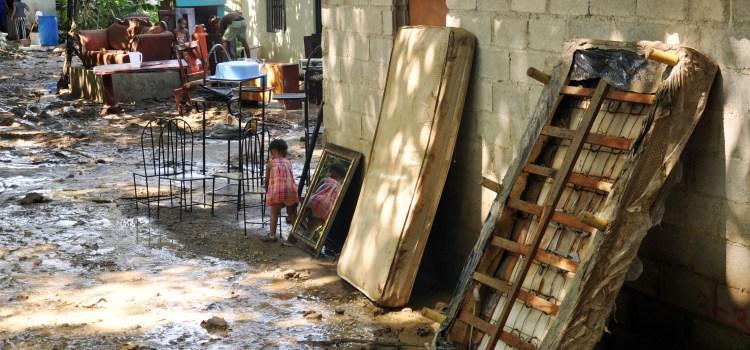 Lluvias afectan decenas viviendas