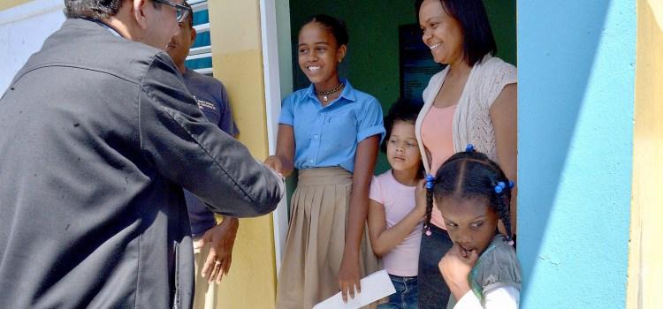 Navarro llama alumnos regresar escuelas
