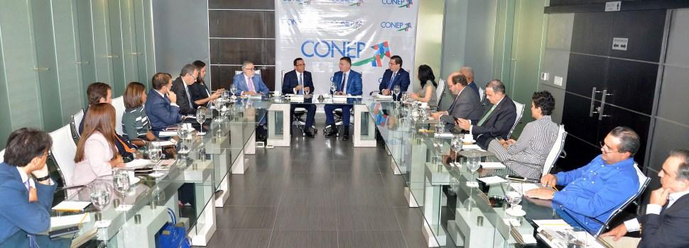 Navarro se reúne con cúpula empresarial