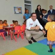 Navarro visita instalaciones del Cafi