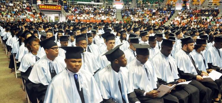 Universidad Isa celebra graduación ordinaria