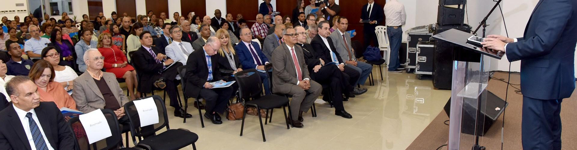 Navarro cita factores avance educación