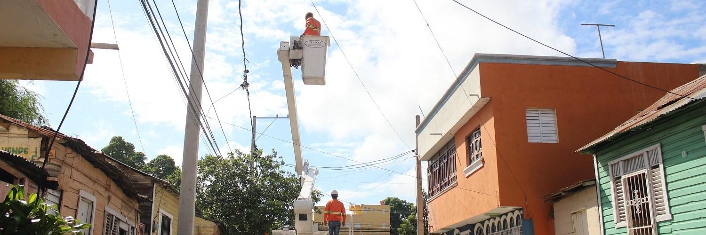 Rehabilitan redes sectores de Santiago