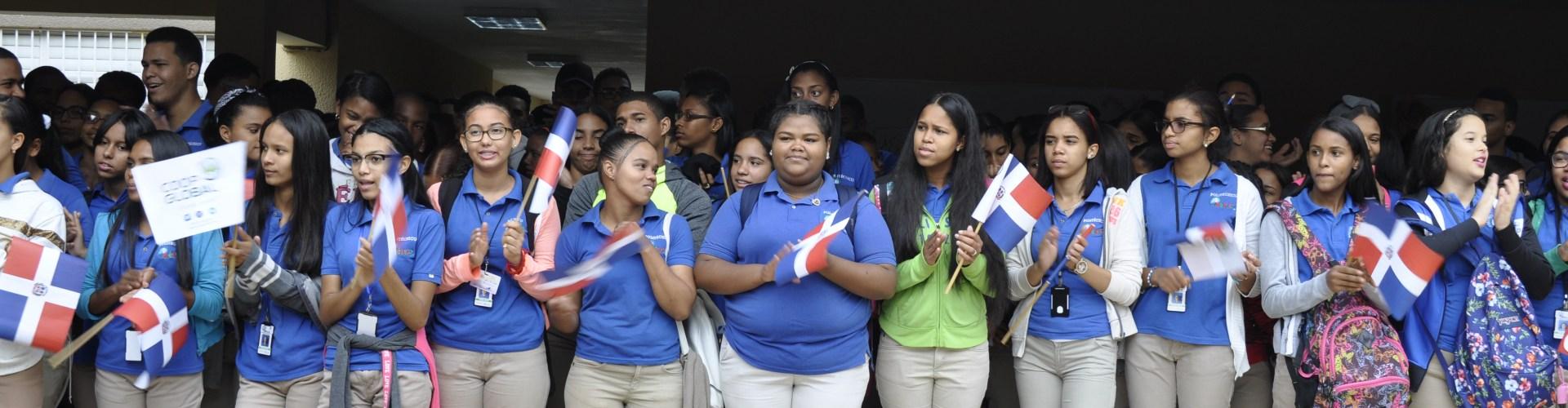 Reinician clases escuelas de Santiago