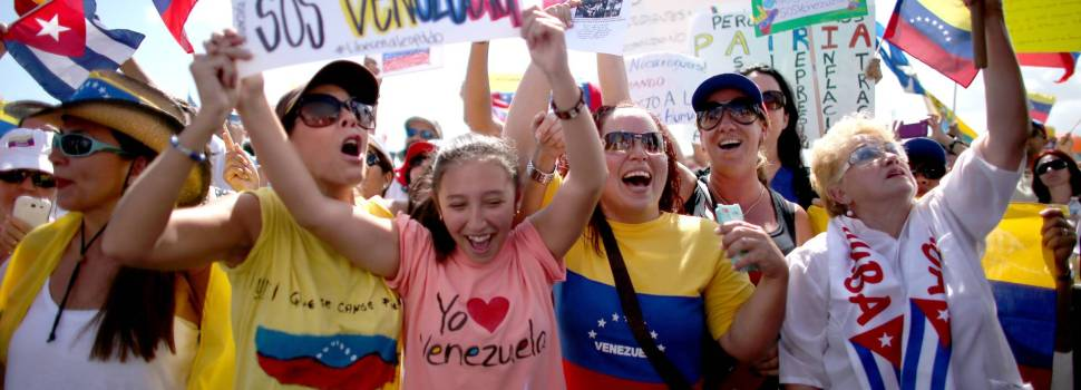 Millares venezolano piden asilo político