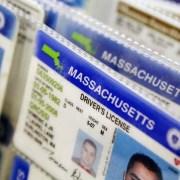 Condenan dominicanos por venta documentos