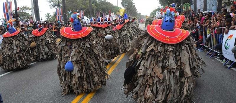 Informan seguridad en desfile de carnaval