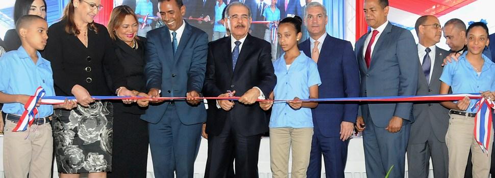 Danilo abre instancia infantil y escuelas