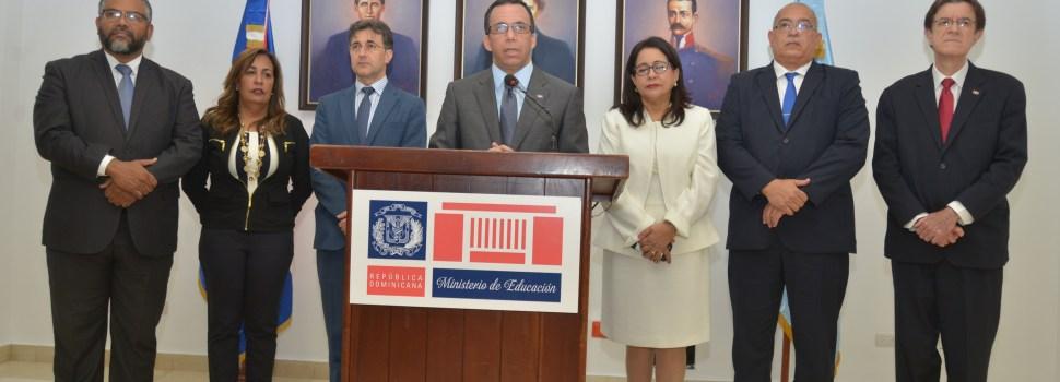 Educación designa directores regionales