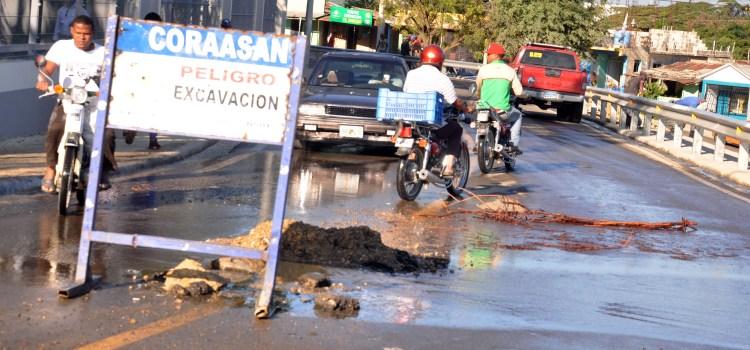 Se deteriora vía acceso Parque Central