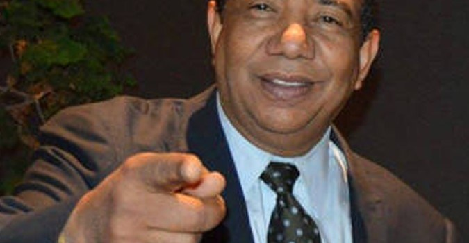 Se complica salud comunicador Manuel Ruiz