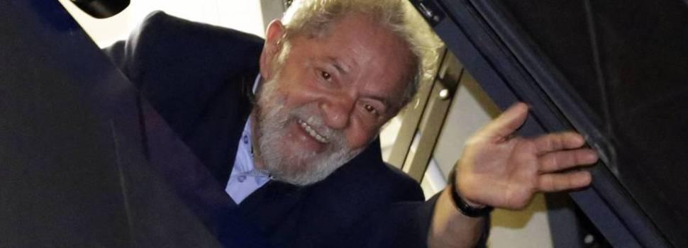 Lula se entregaría al final de esta tarde