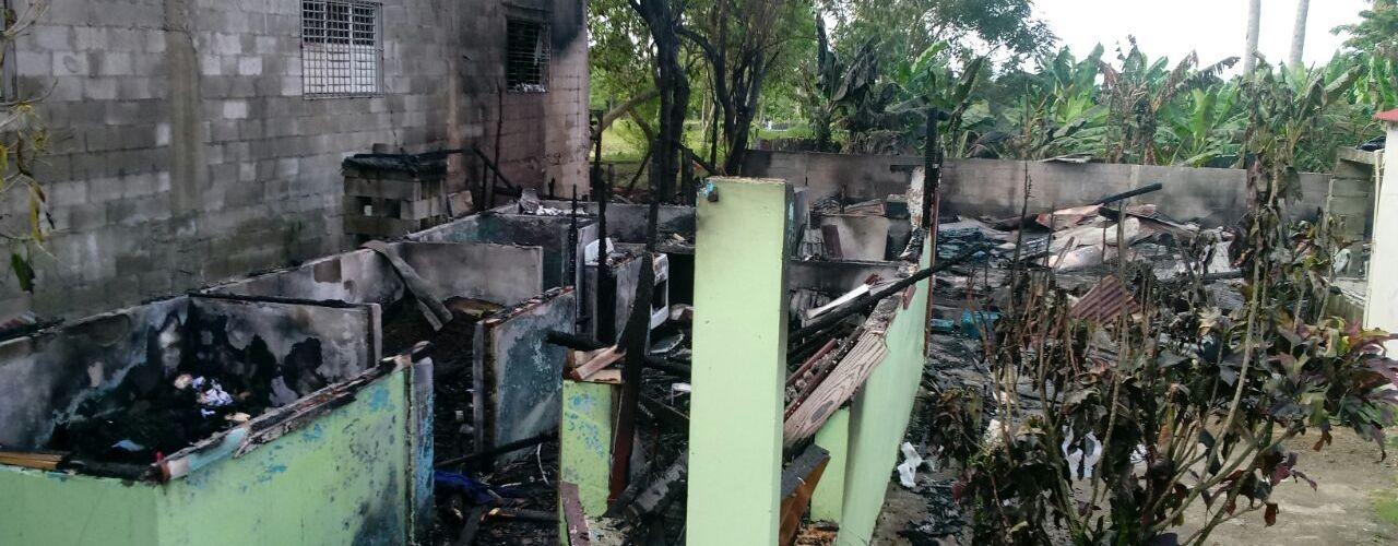 Fuego afecta vivienda y taller ebanistería
