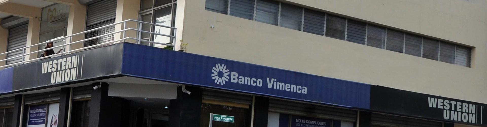 Realizan asalto millonario en Banco Vimenca