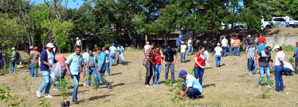 Coraasan reforesta zona Yaque del Norte