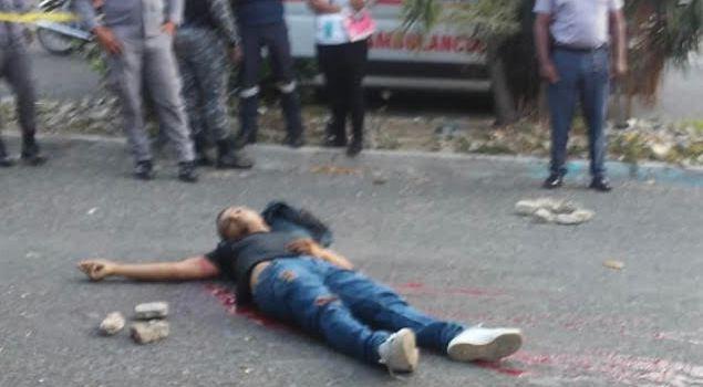 Matan hombre de balazo en espalda