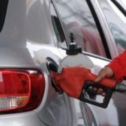 Vuelven a bajar precios combustibles