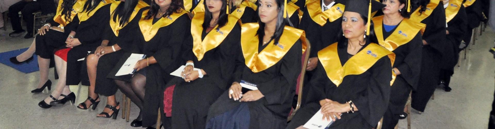 Universidad UTE realiza graduación