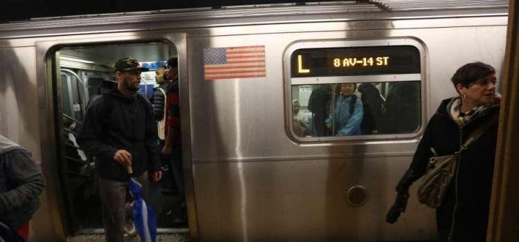 Joven muere al lanzarse a vagón de tren