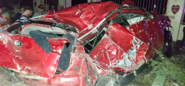 Cuatro personas mueren en accidente tránsito