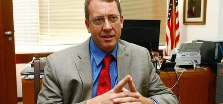 Diplomáticos EE.UU. salen de Venezuela
