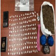 Decomisan 9 libras marihuana en allanamientos