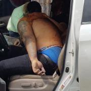 Investigan muerte a tiros hombre y heridas amigo