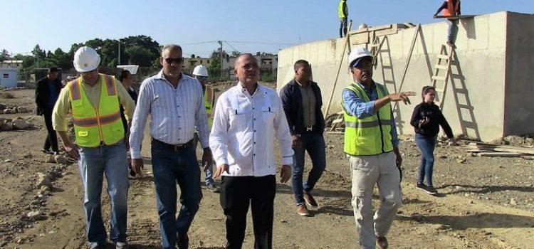 Durán visita instalaciones potabilizadora Cienfuegos