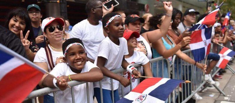 Piden desfile se dedique a los indocumentados