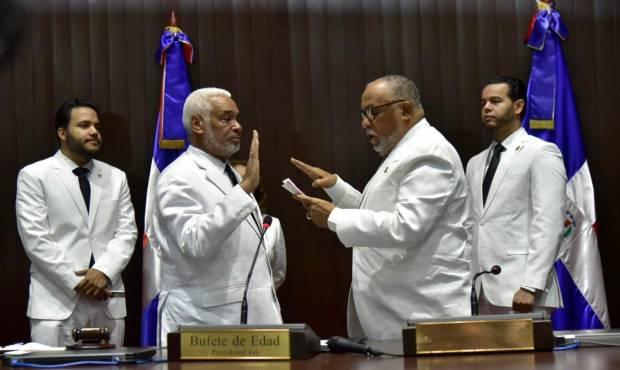 Dejan Camacho en la presidencia de diputados