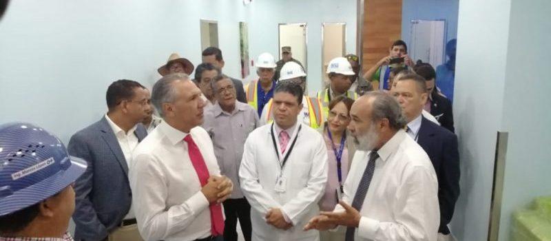Peralta observa trabajos del Cabral y Báez