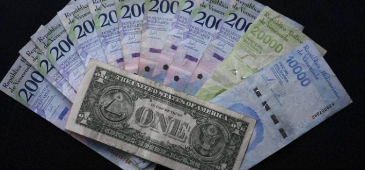 Ocurre desfase del bolívar ante el dólar de EE.UU.