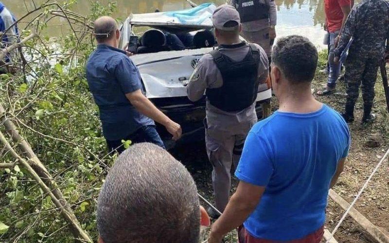 Un ahogado al caer vehículo en canal de riego