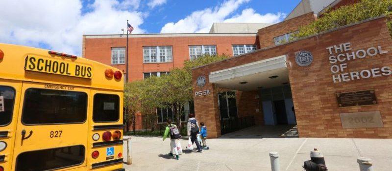 Escuelas NY permanecerán cerradas resto año escolar