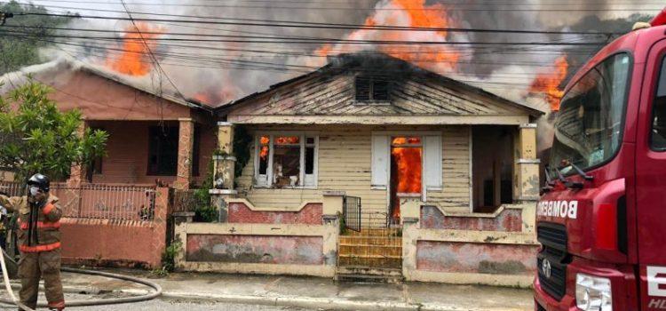 Dicen demente provocó incendio de tres viviendas