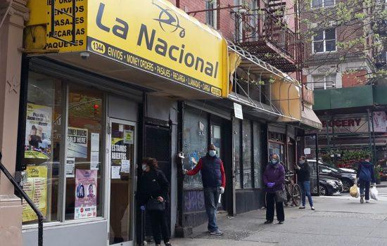 Aunque menos, dominicanos siguen envío dinero a RD