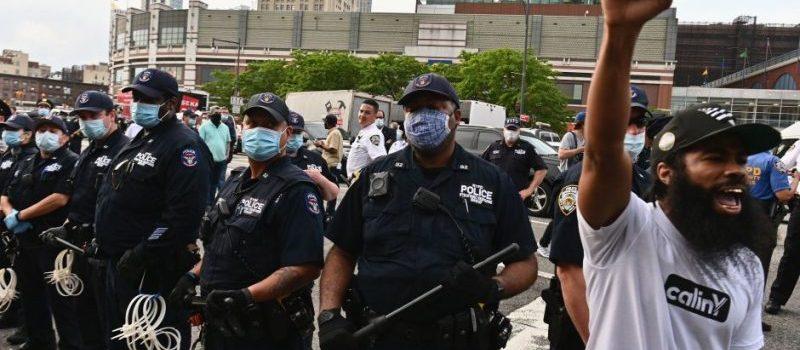 Alcalde NY dice continuará toque de queda