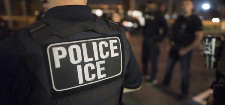 Varios latinos apresados en redadas del ICE