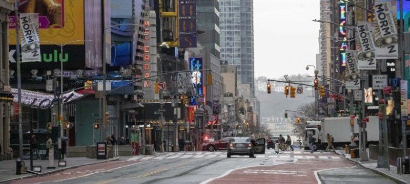 Reanudarán lunes en NY regulaciones parqueo